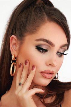 Clip Hairstyles, Side Part Hairstyles, Baddie Hairstyles, Vintage Hairstyles, Pretty Hairstyles, Cute Eye Makeup, Glam Makeup Look, Eye Makeup Steps, Hair Makeup