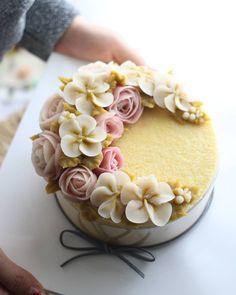 Repost atelier_ryeo Rice cake bean paste flower class bean flower 대구 플라워케이크 정규후기 맛있는 단호박설기~^^ basic class 1st student's work