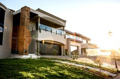 Modern Family House, Best Modern House Design, Modern Houses, Modern Design, Home And Family, Home Projects, Centre, Mansions, Group