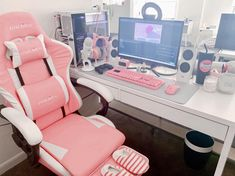 My pink Sakura battlestation My pink Sakura battlestation – Game Room İdeas 2020 Gaming Desk Setup, Gamer Setup, Pc Setup, Kawaii Bedroom, Video Game Rooms, Game Room Design, Cute Room Decor, Gamer Room, Aesthetic Rooms