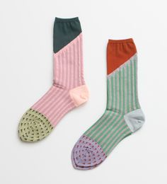 socks by Bulle de Savon Cute Socks, My Socks, Awesome Socks, Funky Socks, Colorful Socks, Happy Socks, All Jeans, Mode Chic, Fashion Socks
