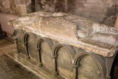 Roger II de Montgomery, 1st Earl of Shrewsbury   as Roger the Great de Montgomery , was the first Earl of ShrewsburyRoger II, Sire d'Alencon. Earl of Shrewsbury and Shropshire, de Montgomery, my 30th great grandfather,  ...