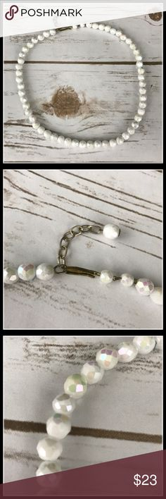 """Vintage Necklace Beautiful white beaded vintage necklace with a 2"""" extender. Jewelry Necklaces"""
