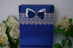Свадебный сундук синего цвета . Декор: кружево цвета айвори, атласные ленты и  двухцветный бантик.  #свадьбы #сундучок_для_денег #синий #кружево #soprunstudio