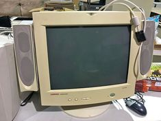 I generally prefer LCD monitors with vintage PCs, but if you want a true retro experience, you need a CRT. The problem is finding one. Here's where to buy CRT monitors. The problem with CRT monitors is that the people The post Where to buy CRT monitors appeared first on The Silicon Underground.