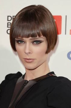 Beautiful short bob on Coco Rocha One Length Haircuts, Short Bob Haircuts, Straight Hairstyles, Cool Hairstyles, Trendy Haircut, Bob Haircut With Bangs, Bowl Haircut Women, Balayage Straight Hair, Balayage Hair