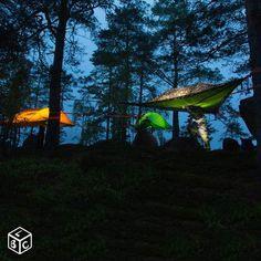 Tente de camping suspendue