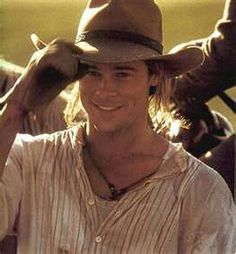Brad Pitt in Legends of the Fall is so purely handsome.My Fav Brad Pitt Movie. Bradd Pitt, I Movie, Movie Stars, Brad Pitt Movies, Mode Country, Country Men, Actrices Hollywood, Hommes Sexy, Red Dead Redemption