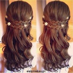 Wedding Hair With Flowers Jewels I Love The Little In This Hairstyle