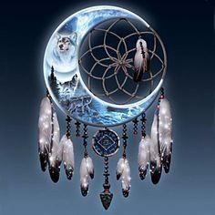 Ideas For Tattoo Mandala Wolf Posts Beautiful Dream Catchers, Dream Catcher Art, Dream Catcher Tattoo, Wolf Dreamcatcher, Dreamcatcher Wallpaper, Native American Wolf, Dream Catcher Native American, Mandala Wolf, Wolf Wallpaper