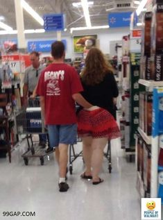 Walmart Is One of the Most Entertaining Places In America. People of Walmart funny photos. WTF people of Walmart. Walmart Humor, Walmart Shoppers, Walmart Stores, Walmart Customers, People Of Walmart, Only At Walmart, Funny Walmart Pictures, Walmart Photos, Funny Photos