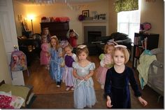 Games - Walk like a princess and prince- balance a bean bag or book on your head, and try to make it all the way across the floor. Then try to dance with it on your head. We did the hokey pokey. Princess Party Games, Princess Crafts, Princess Birthday, Tea Party Activities, Fancy Birthday Party, Castle Party, Dance Camp, Little Girl Dancing, Royal Party