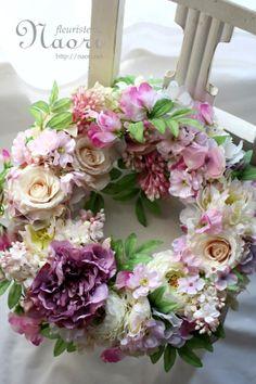 ライラックとピオニーのリース Lilac Peony Sweet pea Rose Cherry blossoms