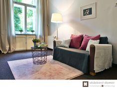 Home Staging nezařízeného bytu v Prahze #Praha #Prague #czech #homestaging #pred #po #before #after #white #walls #apartment #romantic #livingroom #cz #czechrepublic #leisure #pink #pillow #antique #ukazkovydomov