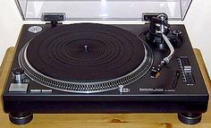 Vinyl Heaven 4 - Technics - The Best Turntable To Buy Technics Sl 1200, Dj Decks, Technics Turntables, Audiophile, Good Things, Beats, Google Search, Face, Vintage
