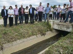 Lucia Corpacci visitó la localidad de Los Altos, en el Departamento Santa Rosa, para dejar habilitados 7 kilómetros de canales de riego