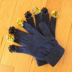 Pom pom gloves in team colors - cute way to get kids involved in your tailgating party