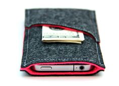 iPhone 5 sleeve wallet in Dark Gray and Hot Pink via Etsy. Gorgeous felt iPhone pouch.