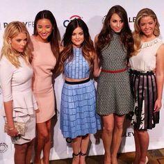 Ashley,Shay,Lucy,Troian anad Sasha