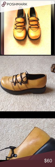 Dansko Janika Lace Up Oxford Size (6) These are in excellent condition.A few minor scuffs and scratches,but you can't tell when they are on.Be sure to check out my other items and make a bundle Dansko Shoes