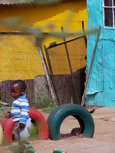 http://www.barbara-nowak-weltreise.de/fotogalerie/suedafrika/soweto-kindergarden.jpg