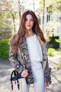 Negin Mirsalehi wearing the TRU TRUSSARDI Tinny Bag