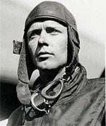 Charles Lindbergh le premier à avoir franchi l'Atlantique Nord en avion. Il est décédé le 26 août 1974