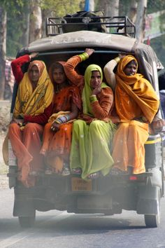 From Delhi to Agra - India Travel-no seat belts needed-Yogi Therese Goa India, Jaipur, Mother India, Amazing India, India Culture, India Colors, Colours, India People, India Travel