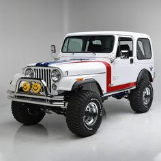 "This 1981 Jeep is a custom Gas Monkey Garage build completed for a future episode of Discovery Channel's ""Fast N Loud."" With award-winning actor Gary Sinise on the block, it will be auctioned with of the hammer price going to the Gary Sinise Foundation. Jeep Cj7, Cj Jeep, Jeep Truck, Gas Monkey Garage, Jeep Commander, Cool Jeeps, Jeep Renegade, Jeep Wrangler Unlimited, Us Cars"