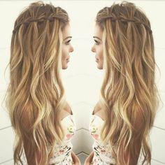 Resultado de imagem para penteados para debutantes tranças
