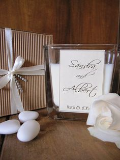 Custom set 25 soy candle favors.    For your beautiful wedding: a romantic and delicate wedding favor.