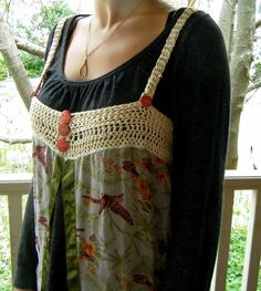 Scarf becomes a top, by Margaret Oomen; heck yeah, I could make this.