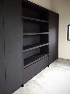 Living Tv, Home Living Room, Kitchen Wall Units, Wardrobe Design Bedroom, Living Room Shelves, Black Kitchens, Interior Inspiration, Home Furnishings, Home Office