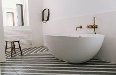 Modern Interior, Interior Design, Bathtub, Victorian, Bathroom, Nest Design, Standing Bath, Washroom, Bathtubs
