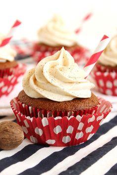 #gingerbread #cupcakes #gingerbreadlattecupcake #buttercreamfrosting #frosting Cupcake Recipes, Baking Recipes, Cupcake Cakes, Cup Cakes, Cupcake Icing, Cupcake Toppers, Dessert Recipes, Buttercream Frosting For Cupcakes, Lemon Buttercream