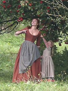 """""""Eleanor, whose character Demelza shares kids Jeremy and Clowance with Poldark, showed off her maternal side as she held hands with a young boy and girl. Demelza Poldark, Ross Poldark, Medieval Dress, Medieval Clothing, Historical Costume, Historical Clothing, Acteurs Poldark, Vintage Dresses, Vintage Outfits"""