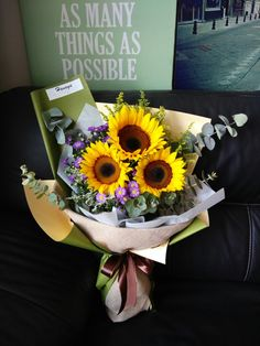 Rustic Sunflower Bouquet. #graduation #hanayabyzen