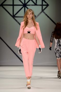 Ginger & Smart Ready-To-Wear S/S gallery - Vogue Australia Runway Fashion, Fashion Show, Womens Fashion, High Fashion, Casual Chic, Coral Fashion, Ginger And Smart, Teen Trends, Ethical Clothing