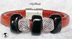 Ausgefallenes, sehr hochwertig und TOP aktuelles Regaliz Leder Armband in Whiskey 10x7mm mit 2 Metallelementen  12 x 13.5mm in antik silber und 3 K...