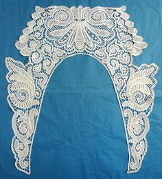 Another interesting lace from the May 4, 2014 Ebay Alerts. Branscombe collar. Needle Lace, Bobbin Lace, Crochet Lace Collar, Lacemaking, Point Lace, Irish Lace, Cutwork, Silk Ribbon, Irish Crochet