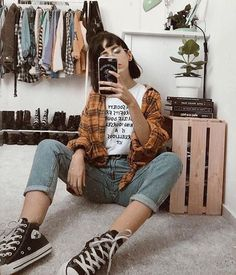 Altgirl alternative style grunge style gothic style grunge girl grunge outfits alternative g alternative altgirl girl gothic grunge outfits style 25 edgy outfits for women that are trending in 2019 Mode Grunge, Style Grunge, Grunge Look, Grunge Girl, Hipster Grunge, Indie Style, Retro Outfits, Vintage Outfits, Edgy Outfits
