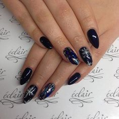 SNOWFLAKE NAIL TUTORIAL: Dark Blue Nails