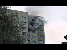 """Am Freitagabend, 10. August 2012, gegen 19:30 Uhr kam es in Potsdam zu einem heftigen Brand. Die angrenzende """"Breite Straße"""" war gesäumt von Feuerwehr- und Polizeiautos. Verletzt wurde zum Glück niemand."""