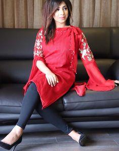Pakistani fashion Stylish Dress Designs, Dress Neck Designs, Stylish Dresses, Simple Dresses, Casual Dresses, Beautiful Dresses, Pakistani Fashion 2017, Pakistani Outfits, Indian Fashion