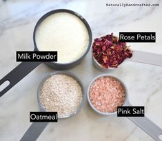 Want to make your own DIY Rose Petal Milk Bath. All you need are 4 all natural i… Want to make your own DIY Rose Petal Milk Bath. All you need are 4 all natural ingredients. Indulge yourself with this super simple bath soak recipe. Milk Y Goku, Spiritual Bath, Diy Spa, Peeling, Soap Recipes, Diy Bath Tea Recipes, Relaxing Bath Recipes, Diy Beauty, Beauty Hacks