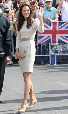 For a trip to Yellowknife's Somba K'e Civic Plaza, Kate Middleton donned a silk linen Malene Birger dress.
