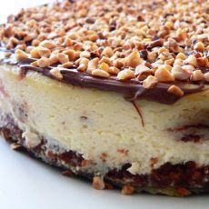 OMG Ferrero Rocher Cheesecake - loved this so much we chose it for our wedding cake <3 ~r