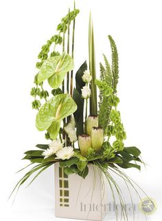Signature Style http://www.interflora.co.nz/flowers/product/index.cfm/new-zealand/vases/signature-style