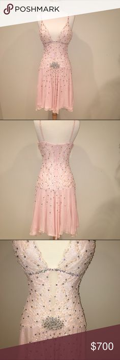 Sexy sparkle Miami dress Mandalay Sexy sparkle dress baby pink. Size 6. NWT. Great SOUTH BEACH MIAMI / VEGAS dress, Stunning! mandalay Dresses