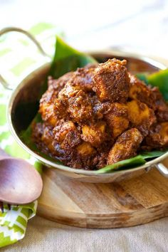 Chicken Rendang - amazing Malaysian-Indonesian chicken stew with spices and coconut milk. Deeply flavorful. The best rendang recipe ever | rasamalaysia.com